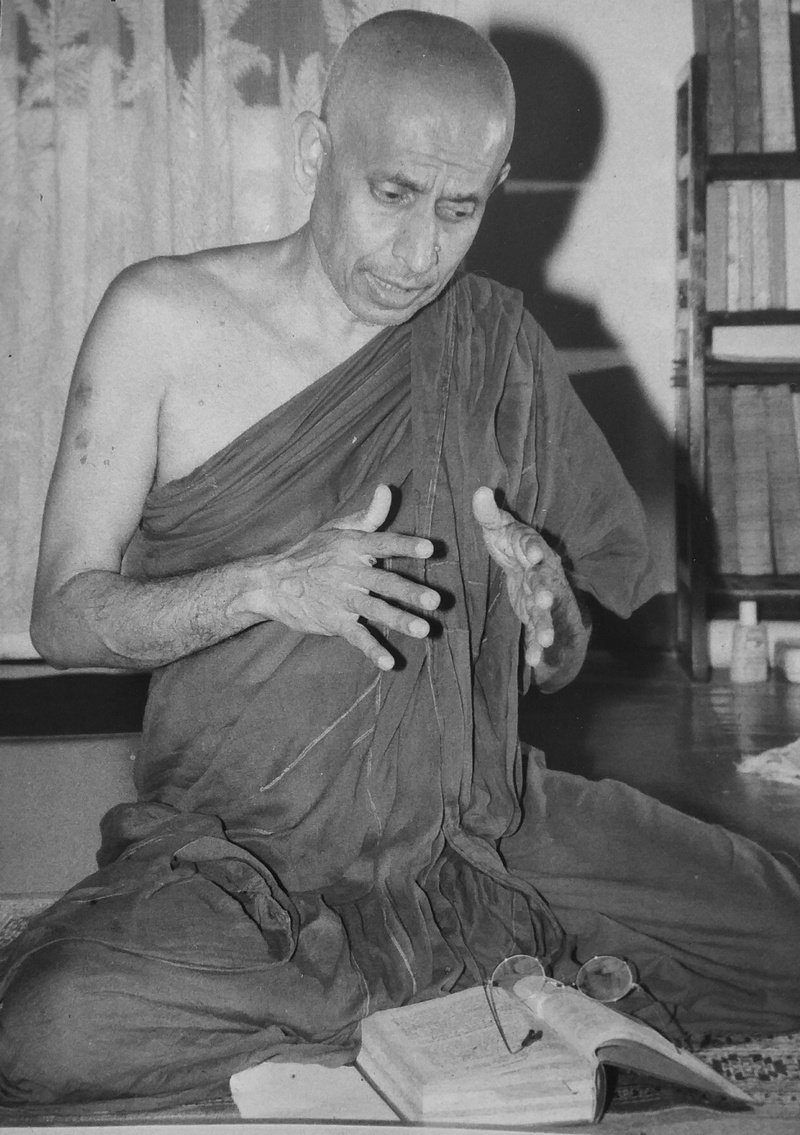 Ven. Pemasiri Teaching